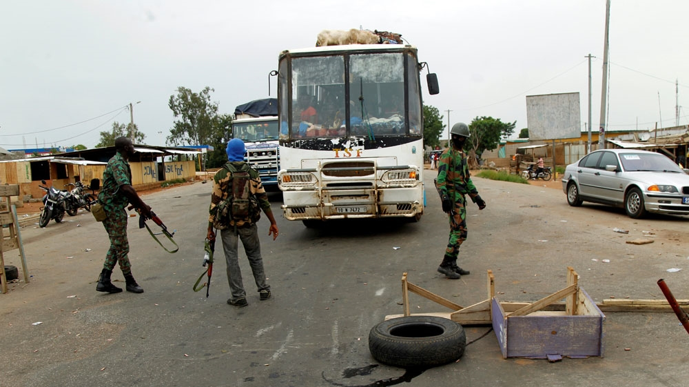 Fresh unrest reported as Ivorian army presses operation aimed at ending a mutiny by soldiers demanding bonus payments.