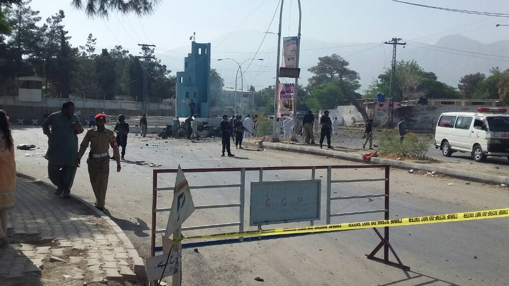 25 killed in northwest Pakistan blasts