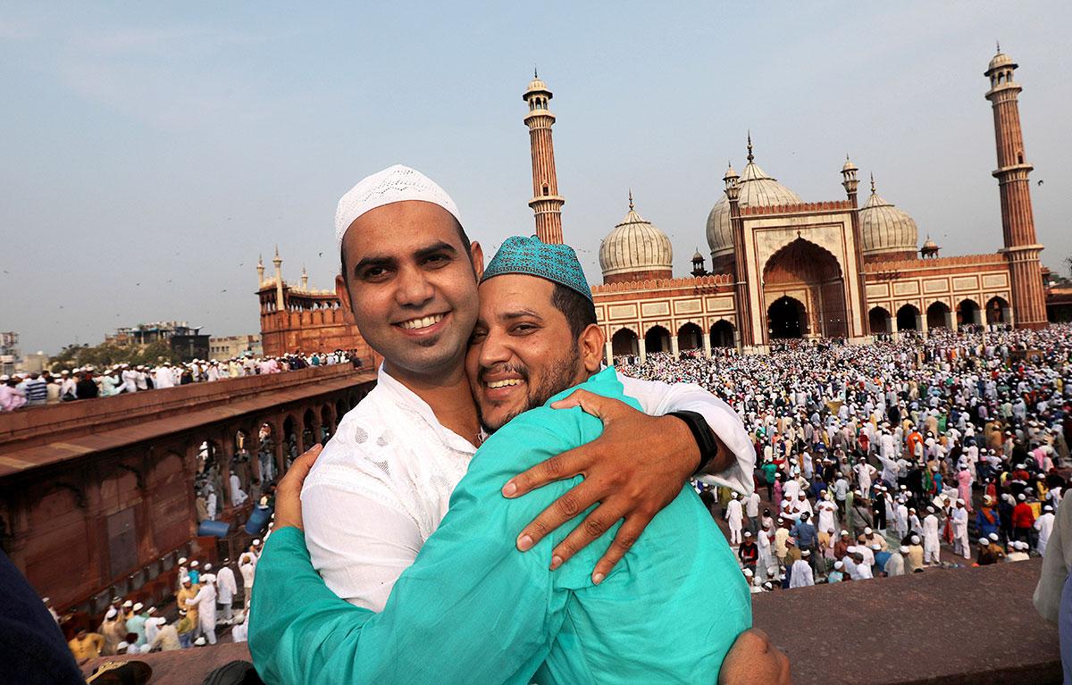 Muslims around the world celebrate Eid al-Fitr 2017 | | Al ...
