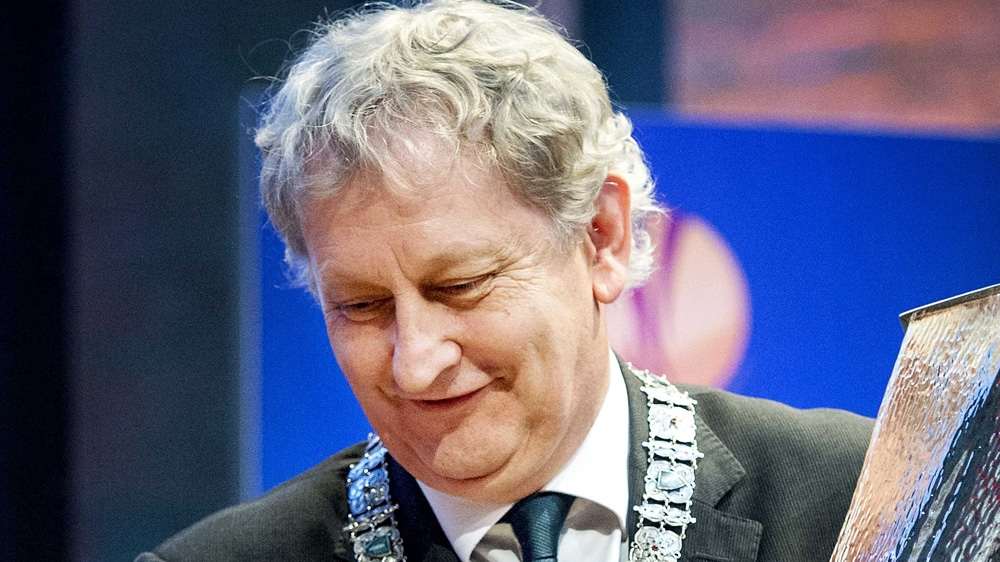 Amsterdam mayor steps down over lung cancer battle