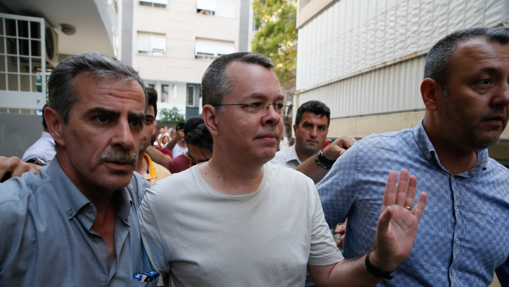 Trial of detained US pastor Brunson resumes in Turkey