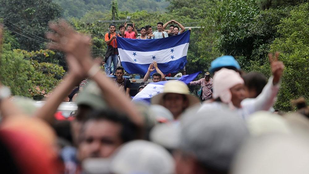 'No alternatives': Thousands flee Honduras in US-bound caravan thumbnail