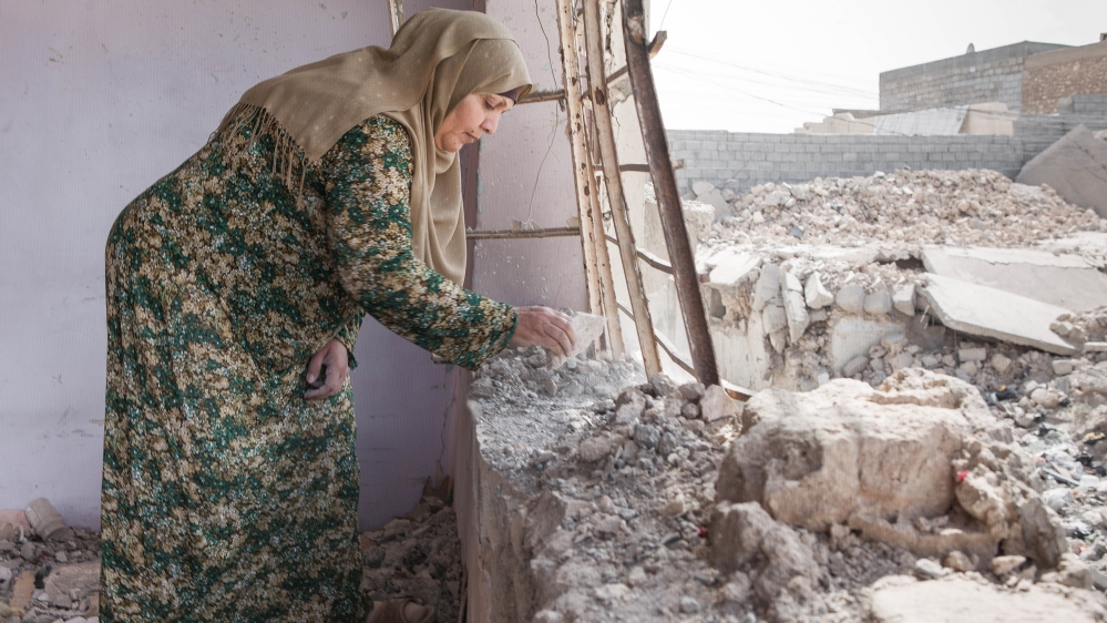 Mosul residents left to rebuild destroyed homes thumbnail