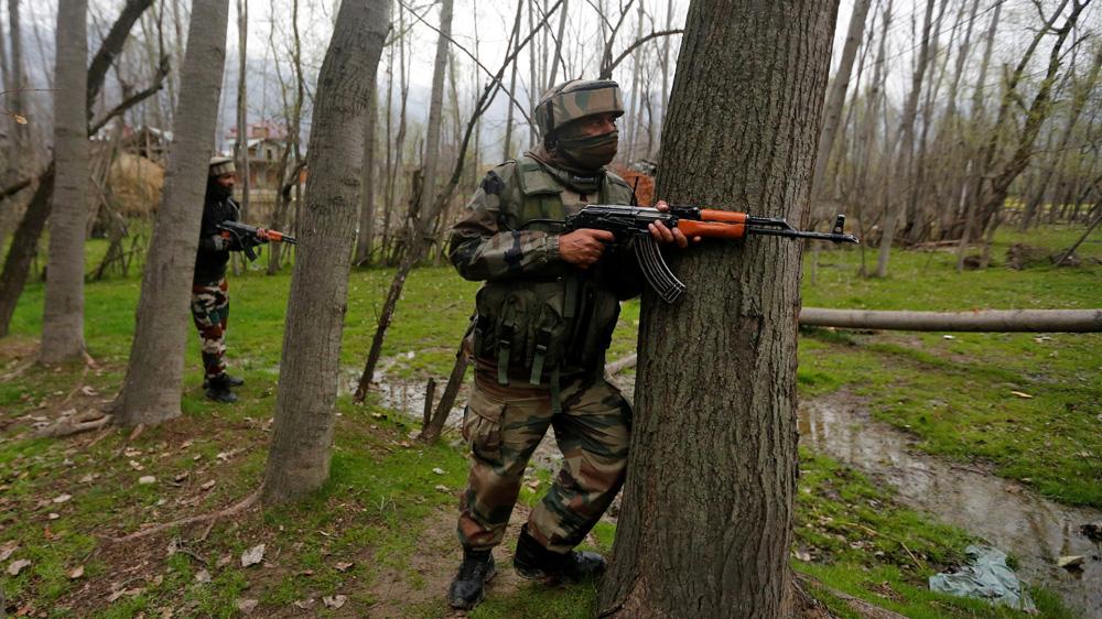 Kashmir: 10 killed after fierce gun battle | Al Jazeera