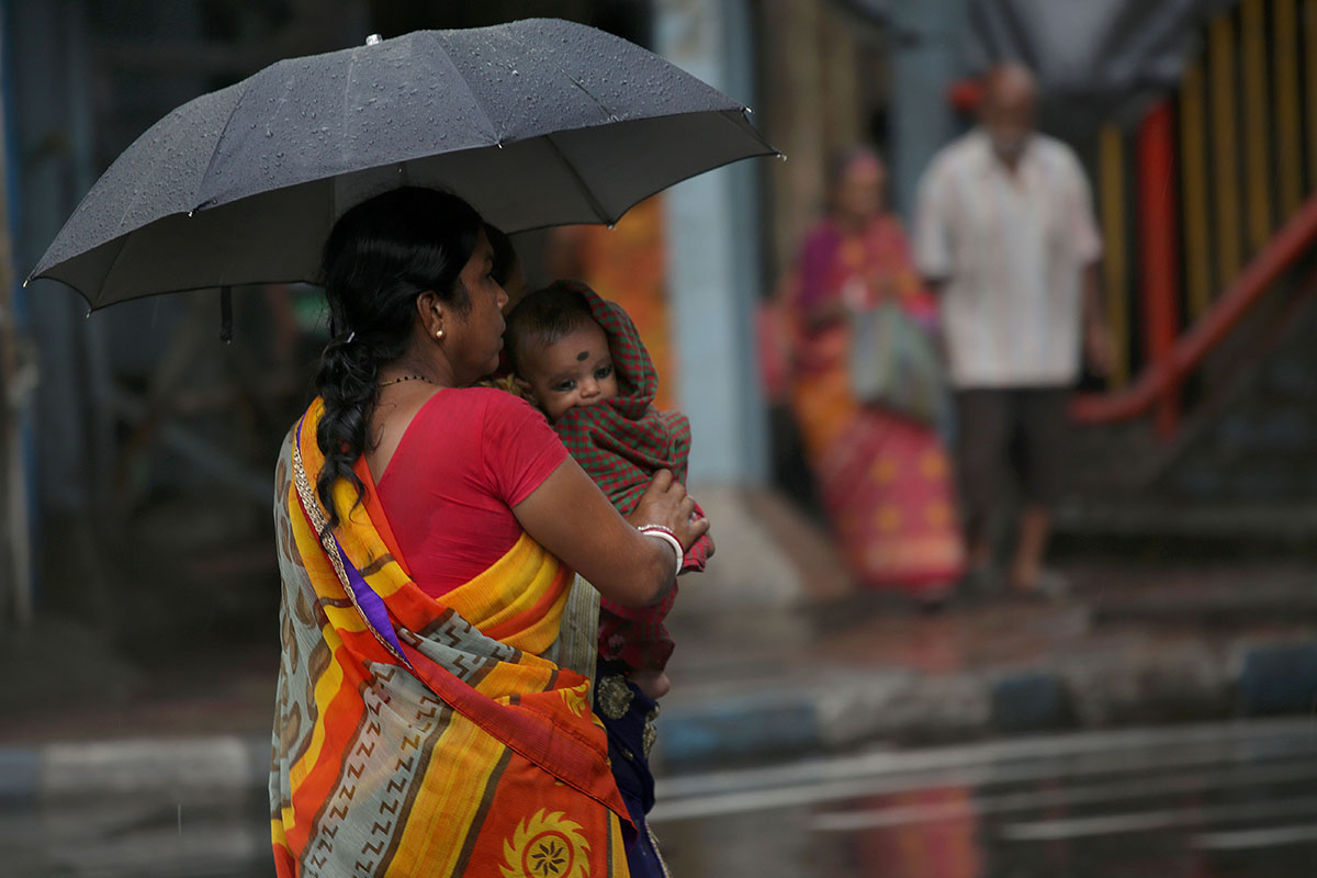 Heavy rain in Kolkata is not unusual in May, but it indicates that the southwesterly monsoon is on its way. [Piyal Adhikary/EPA-EFE]
