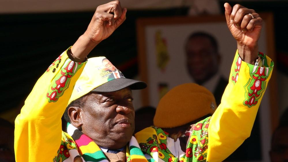 Zimbabwe elections: Mnangagwa courts white voters ahead of vote