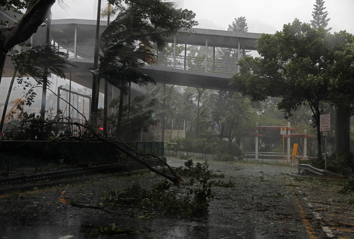 Hong Kong And Southern China Are Hunkering Down As Strong Winds And Heavy Rain From Typhoon