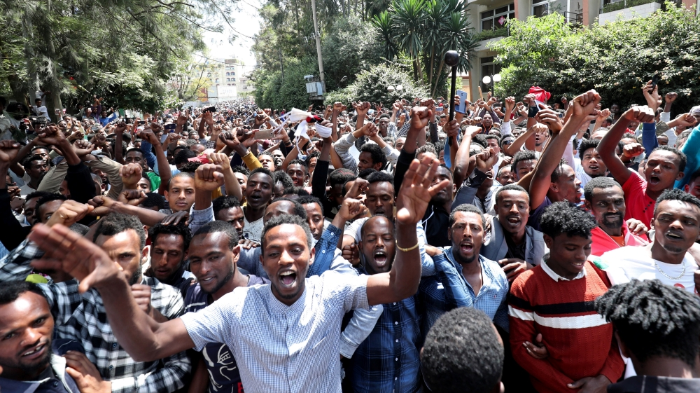 Hundreds gather outside house of Ethiopian activist after deadly day of protests
