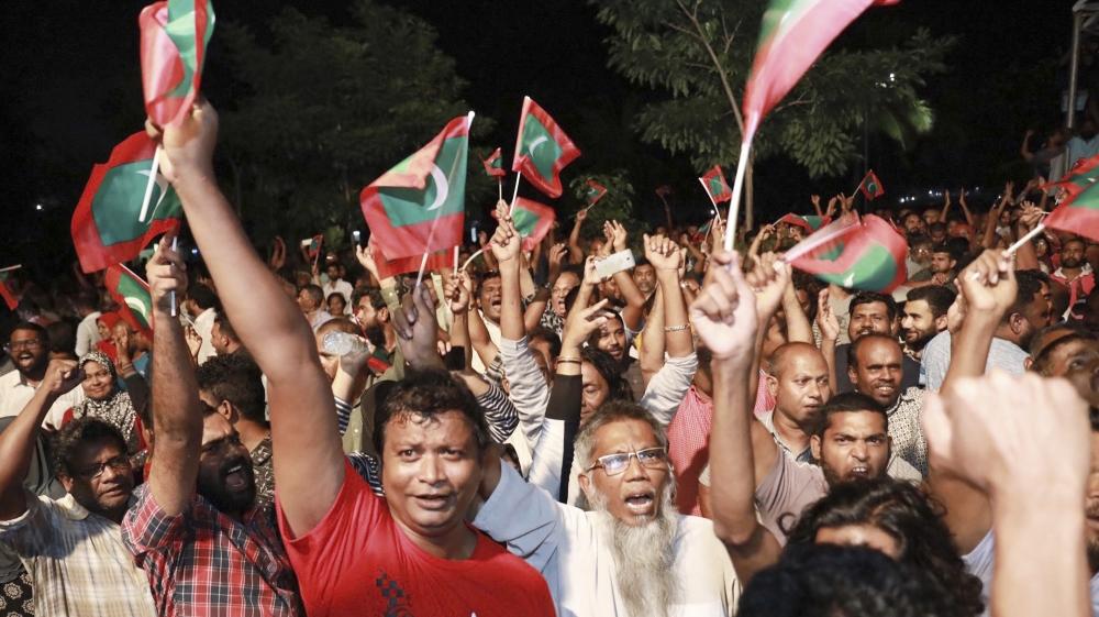 Maldives legislators dismiss chief justice and senior judge - Al Jazeera English