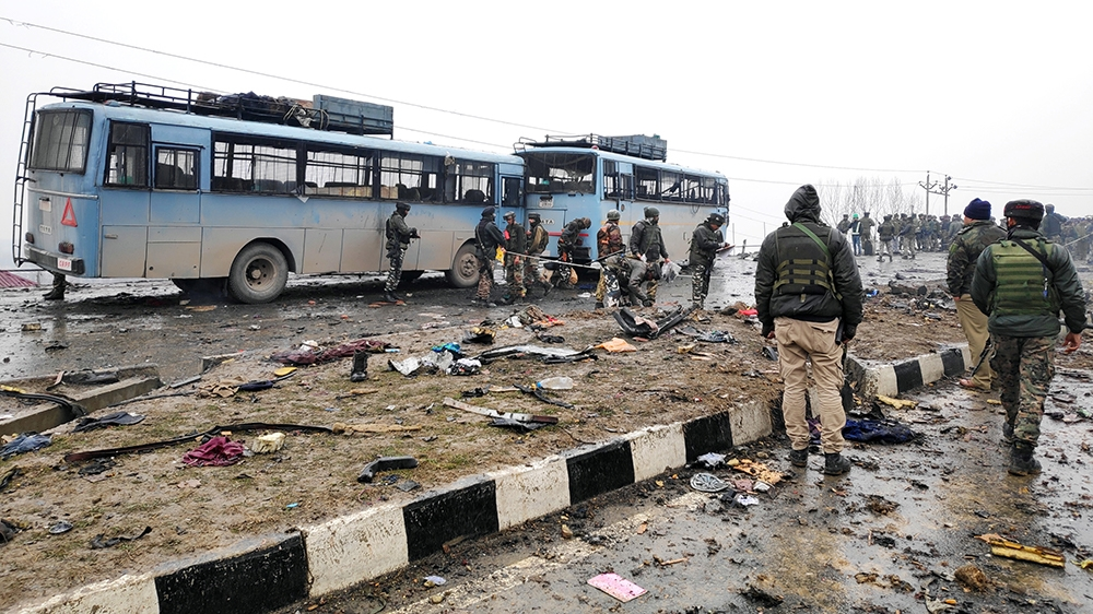 Kashmir suicide attack kills dozens of Indian security