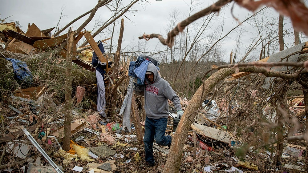 At least 14 dead as tornadoes hit Alabama