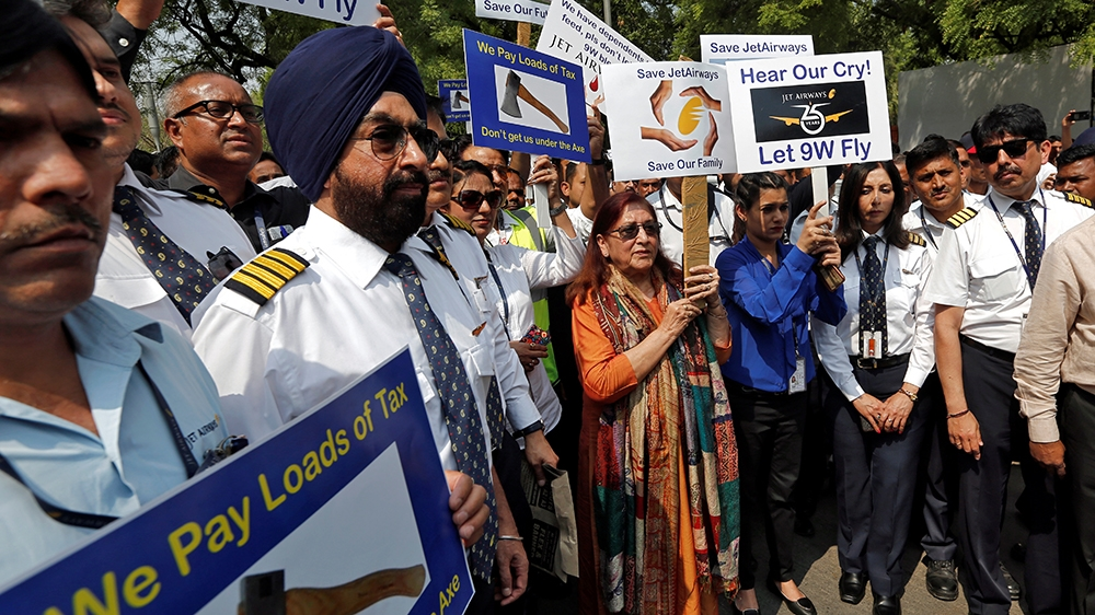 Jet Airways staff delegation meets Jaitley, demands transparent bidding process