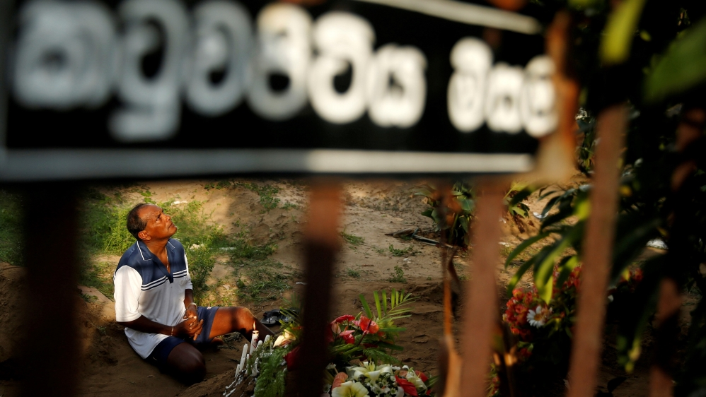 Mass funerals mark Sri Lanka\'s day of mourning