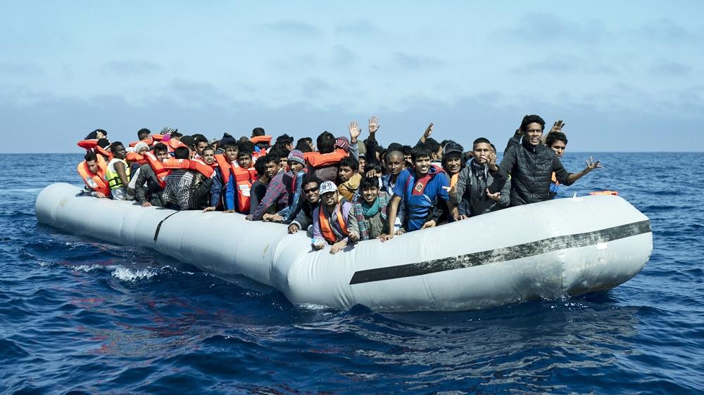 At least seven dead as refugee boat sinks off Greek island