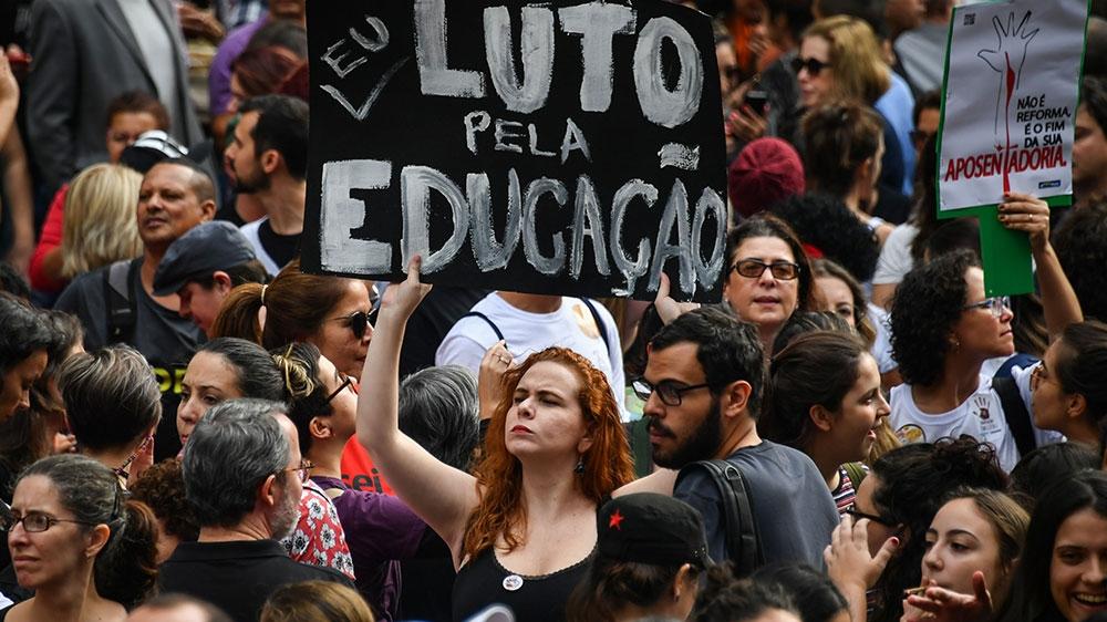 brazil student protest ile ilgili görsel sonucu
