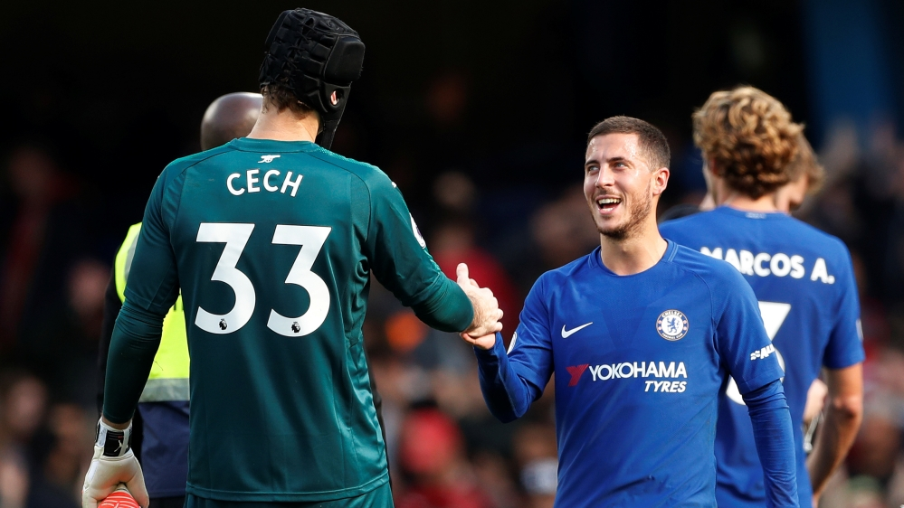 Soccer Football - Premier League - Chelsea vs Arsenal - Stamford Bridge, London, Britain - September 17, 2017 Chelsea's Eden Hazard and Arsenal's Petr Cech shake hands after the match Action Images vi