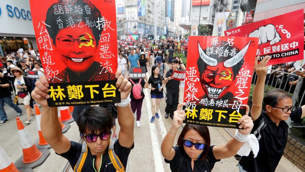 Hong Kong leader apologises fo...