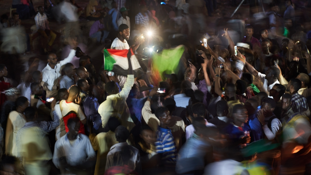 Sudan protesters urge night rallies amid impasse with military