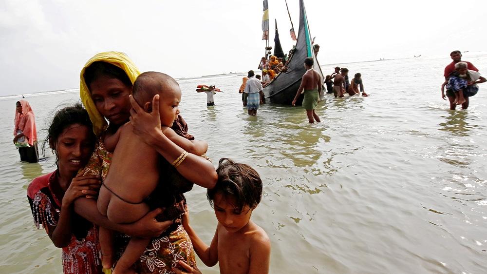 US slaps sanctions on Myanmar army chief over Rohingya abuses thumbnail