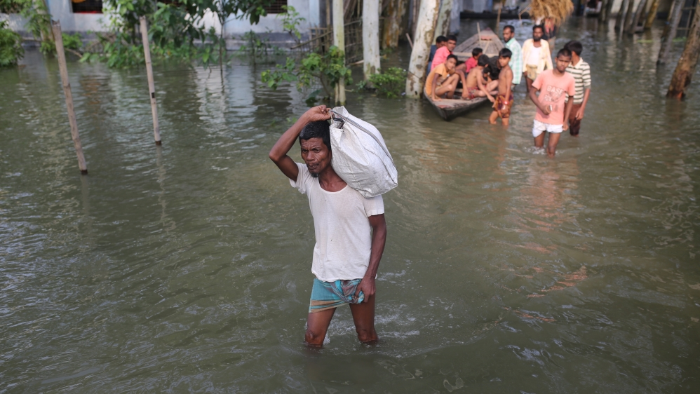Death toll climbs to 200 as South Asia copes with monsoon rains