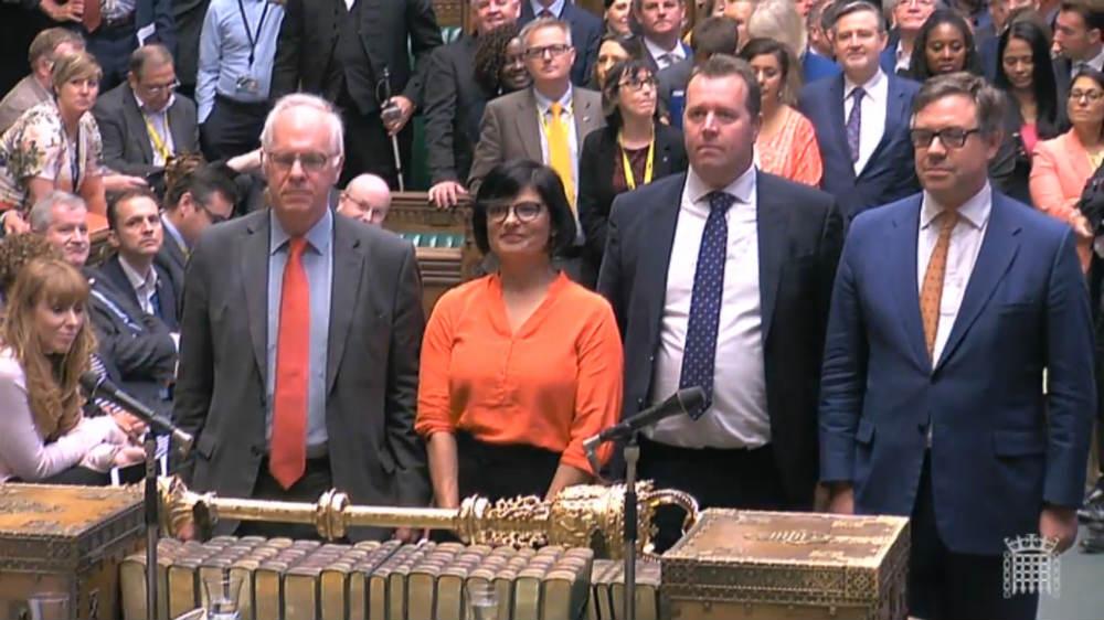 'No-deal' Brexit dealt blow by UK parliament thumbnail