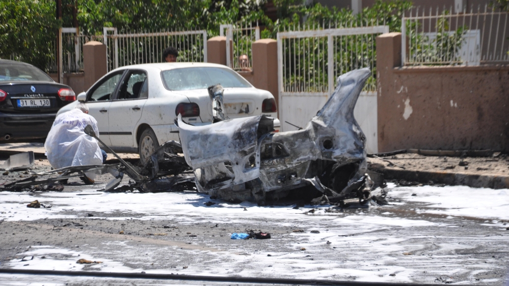 Car explosion in southern Turkey kills three