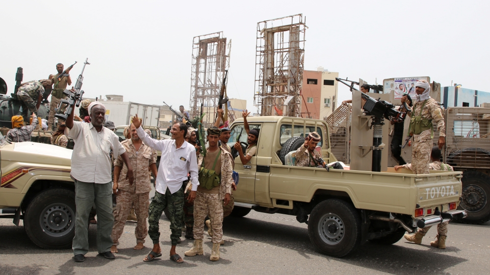 Separatists seize Aden presidential palace, gov't military camps