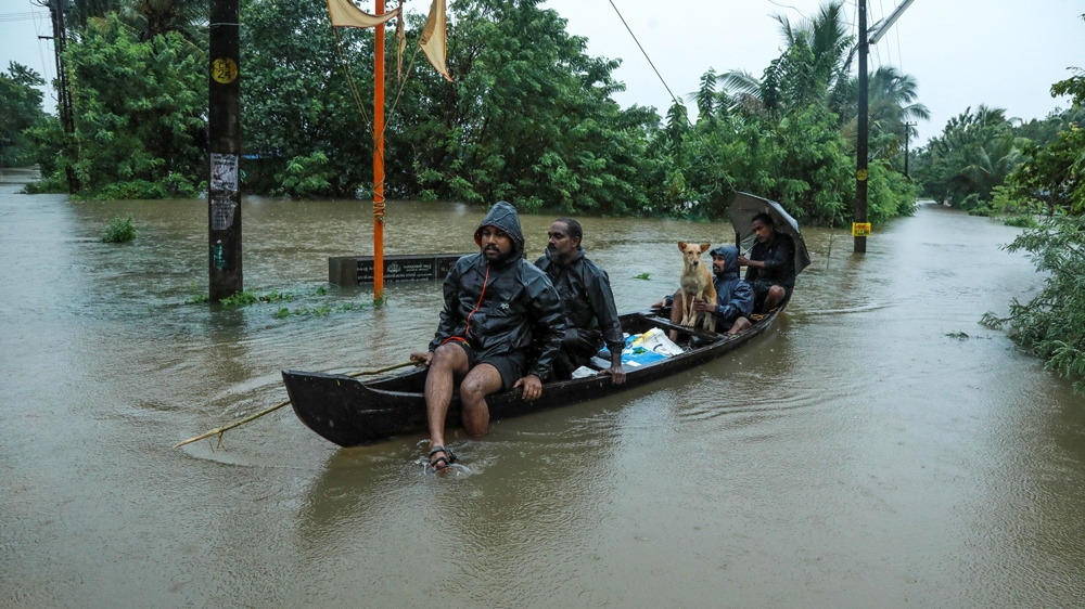 Death toll from Indian floods reaches 147, thousands