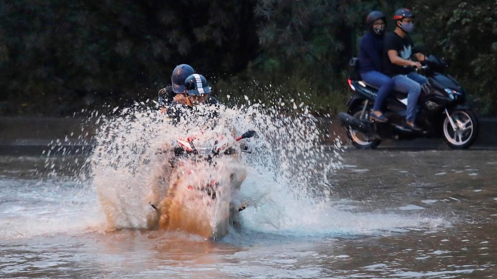 Dozens dead, six missing in Typhoon Wipha's aftermath in Vietnam