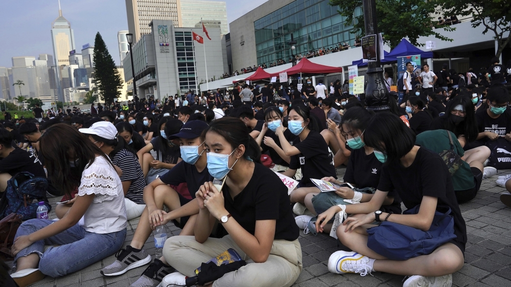 Hong Kong braces for fresh protests as activists target airport thumbnail