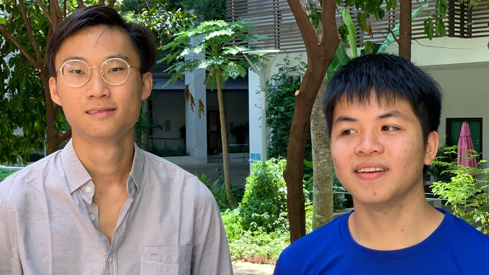 Singapore Students Organize Opposition