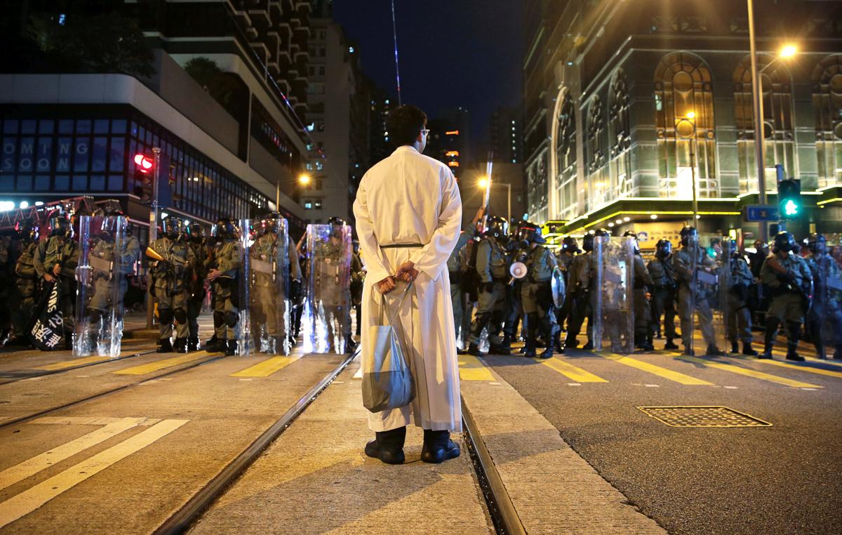 Hong Kong: More violent protests rock the city   Hong Kong protests