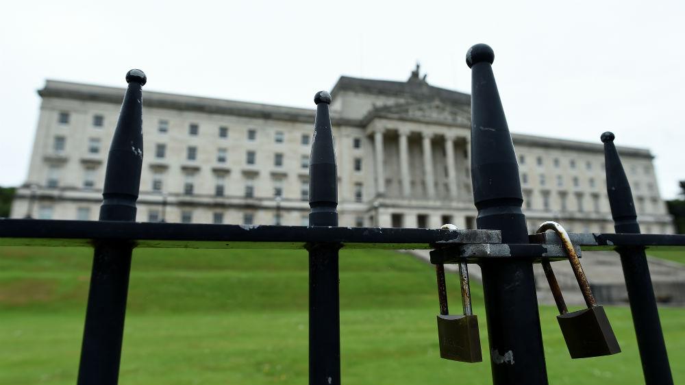 Stormont: Draft deal aims to break Northern Ireland deadlock thumbnail