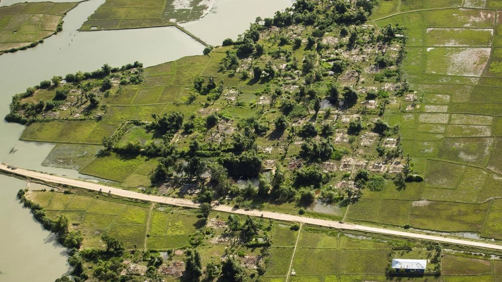 Rohingya burnt village