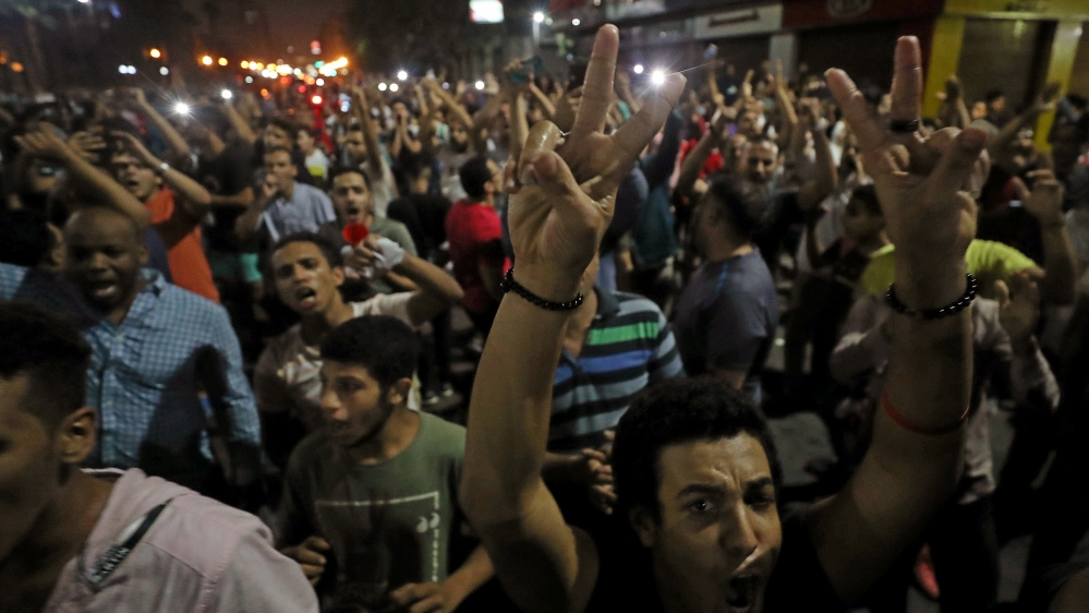 Small groups of protesters gather in central Cairo calling out anti-government slogans in Cairo