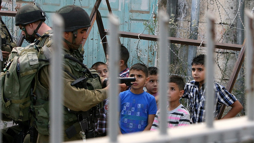 Transfer of Palestinian minors from prisons a 'violation of law' thumbnail