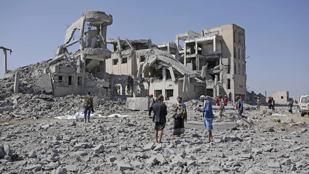 Dozens of civilians killed in Saudi-UAE-led air raids in Yemen thumbnail