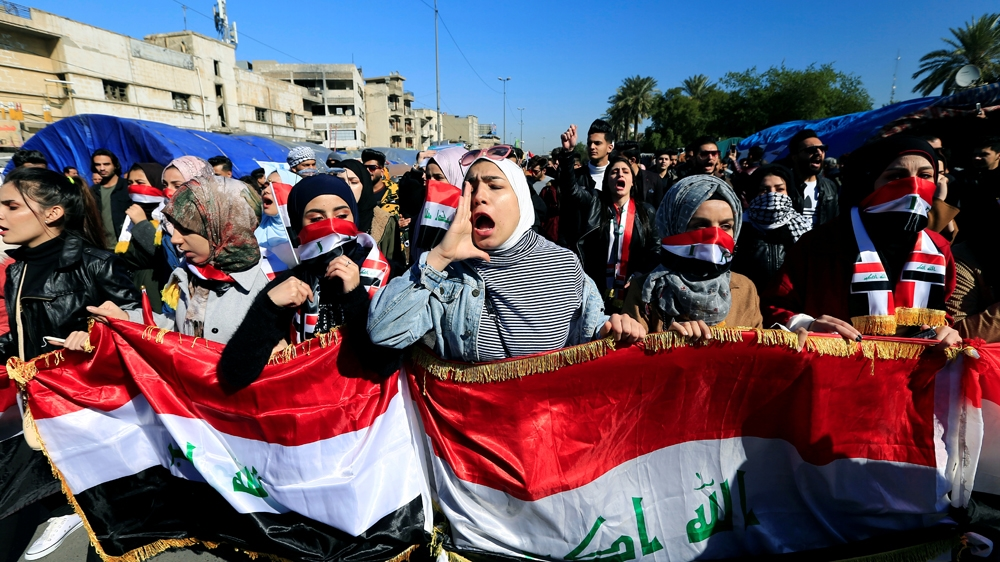 University students shout slogans, during ongoing anti-government protests in Baghdad, Iraq January 26, 2020. REUTERS/Thaier al-Sudani