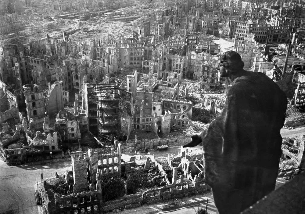 Dresden marks 75th anniversary of city's destruction | Germany ...