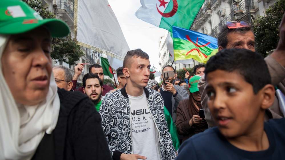 Algerian protests with Tadjdit