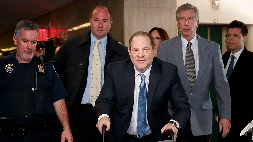 epaselect epa08244182 Harvey Weinstein (C) arrives to New York State Supreme Court as the jury continues to deliberate in his sexual assault trial in New York, New York, USA, 24 February 2020. The cas