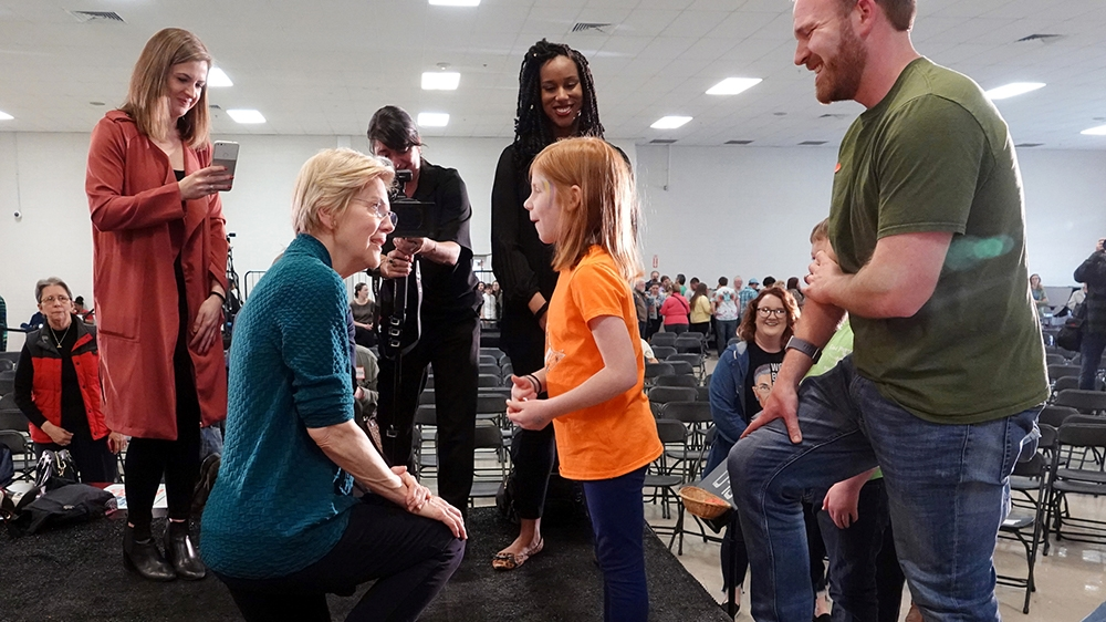 Democratic 2020 U.S. presidential candidate and U.S. Senator Elizabeth Warren (D-MA) greets Ella Clare Campbell after speaking in Memphis, Tennessee, U.S. March 17, 2019. REUTERS/Karen Pulfer Focht