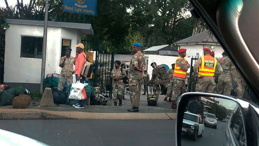 South Africans brace for 21-day lockdown as virus cases rise thumbnail