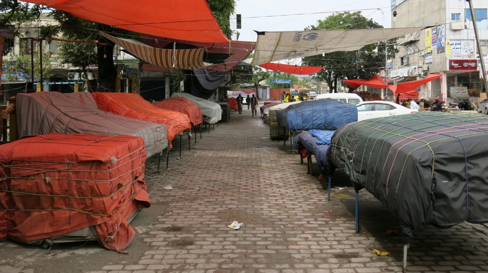 Islamabad's normally bustling G-9 markaz market lies empty on Wednesday