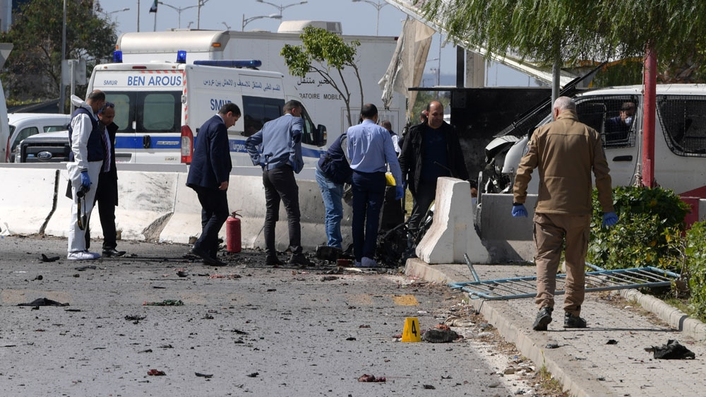 Explosion reported outside US embassy in Tunisia thumbnail
