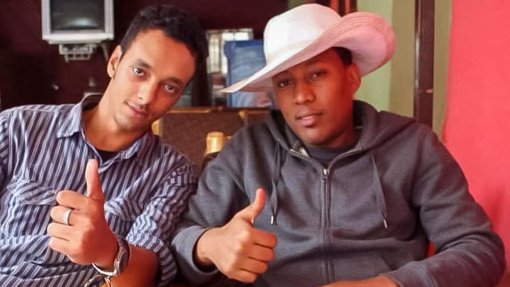 The crash victim captain Yared Getachew (Left) and his close friend captain Benyam Alemayehu (right). [Courtesy of Benyam Alemayehu]