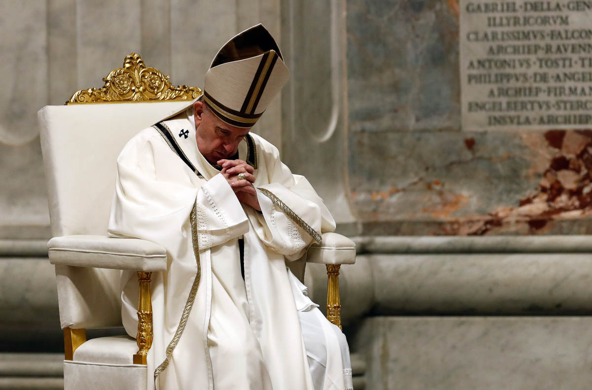 Як католики відзначили Великдень в умовах карантину: дивовижні світлини з усіх куточків світу