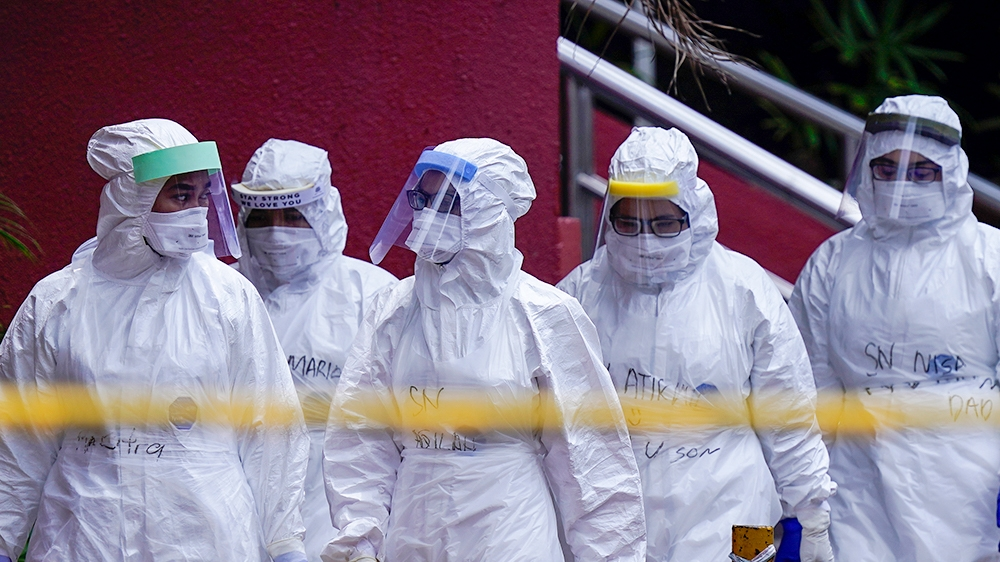 More than 1.9 million confirmed with coronavirus: Live updates thumbnail