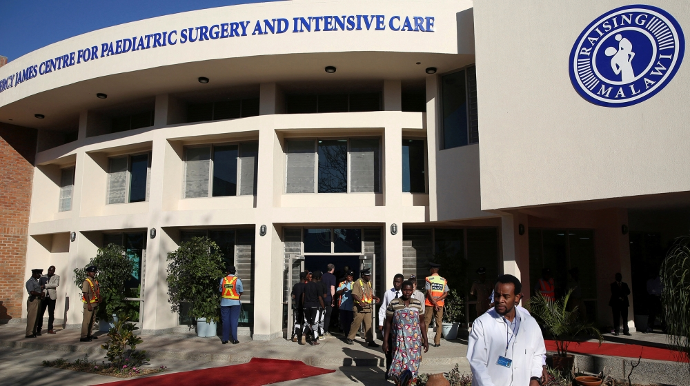 Malawi health workers protest against lack of protective gear thumbnail