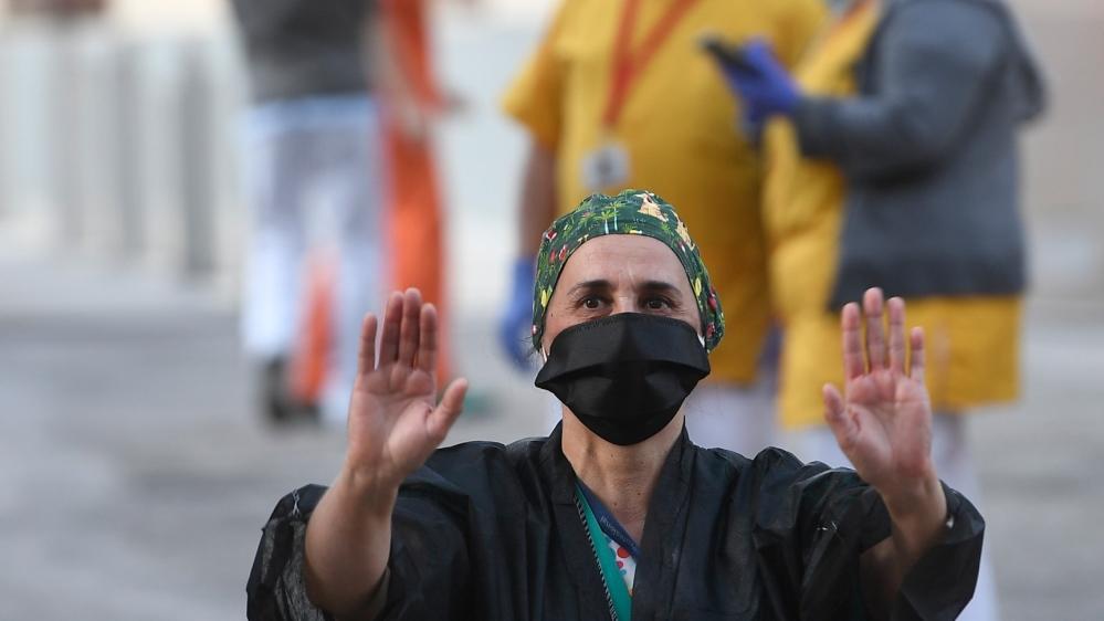 Spain coronavirus deaths pass 20,000: Live updates thumbnail